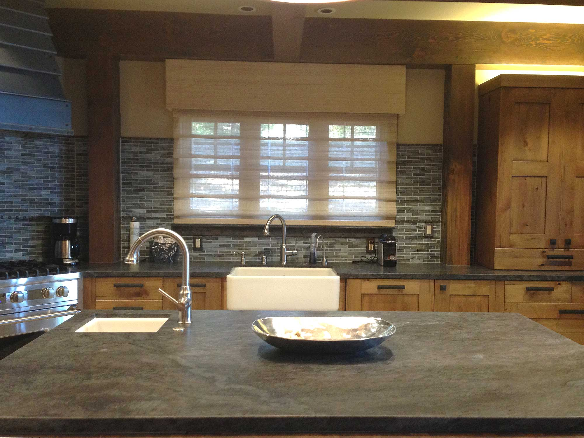 Slate Countertops U0026 Glass Backsplash Kitchens